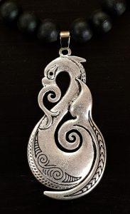 zilveren Manaia 1